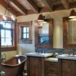 Ванная в классическом деревенском стиле