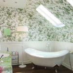 Окна в ванной для хорошего освещения