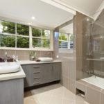 Рациональная идея для зеркал в ванной