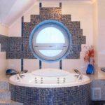 Иллюминатор в «морской» ванной