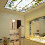 Имитация потолочного окна с витражом