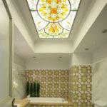 Необычное украшение для потолка в ванной