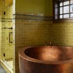 Деревянные рамы в ванной