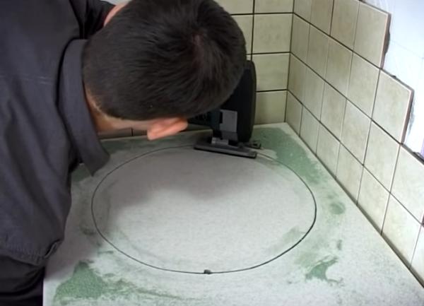 Вырезание отверстия под чашу