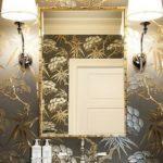 Бра для освещения зеркала в ванной