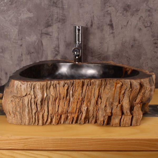 Накладная раковина из окаменелого дерева