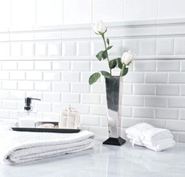 Белая плитка и белые швы