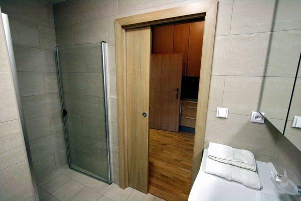 Сдвижные двери в ванной