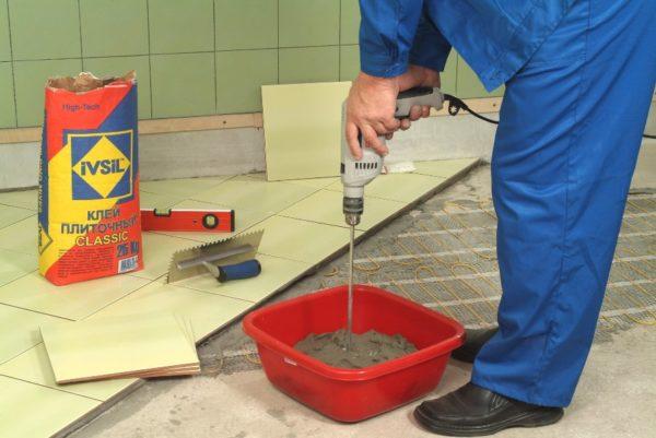 Цементный клей плиточный