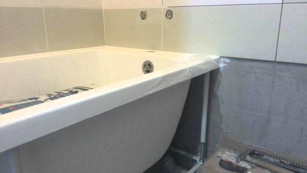 Укладка плитки от ванной