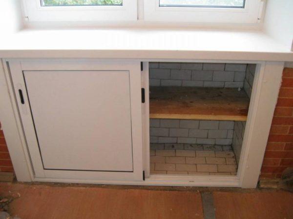 Ниша под окном кухни хрущевки для монтажа водонагревателя