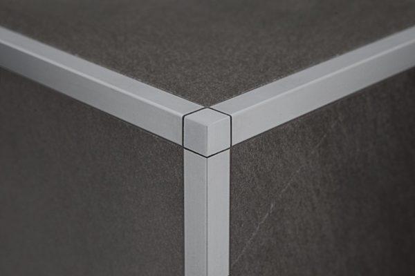 Декорирование внешнего угла на стыке трех плоскостей
