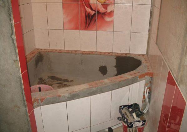 Облицовка самодельной ванны кафелем снаружи
