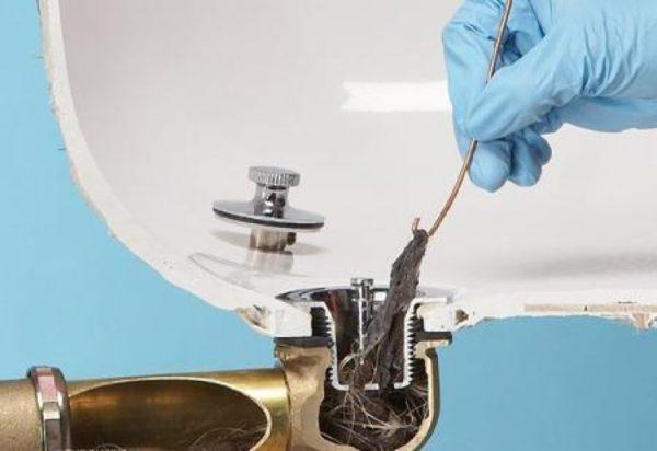 Прочистка ванны от волос
