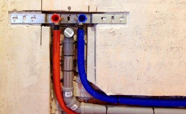 Разводка труб для водорозетки в стенах