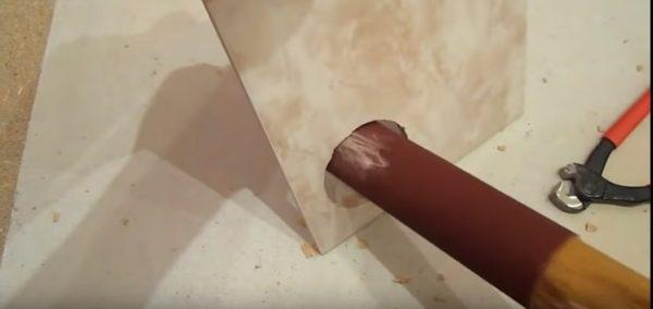 Шлифовка кромки отверстия