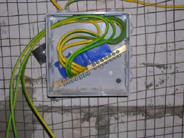 Присоединение защитных проводников к шине РЕ КУП