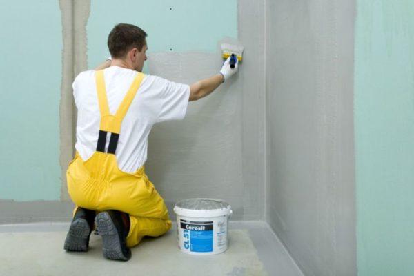 Покрытие стен в мокрых зонах мастикой