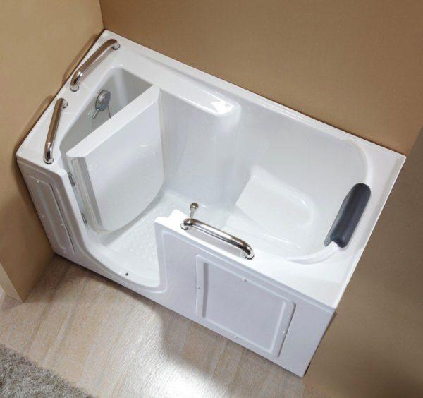 Ванна сидячего типа с дверцей