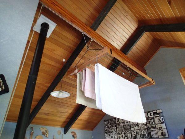 Самодельная конструкция для ванной комнаты
