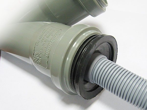 Резиновая манжета для подключения сантехники к канализации