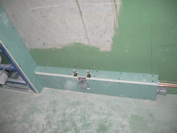 Разводка труб в коробе