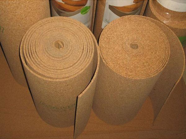 Пробковая гибкая подложка для напольных покрытий