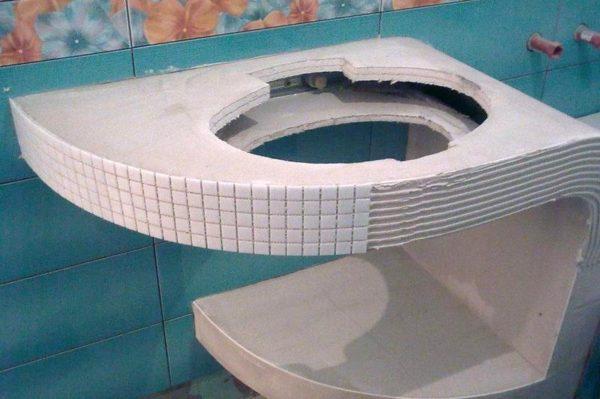 Облицовка этажерки из гипсокартона мозаикой