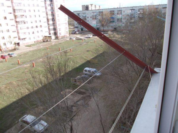 Приварные кронштейны на балкон для бельевого шнура