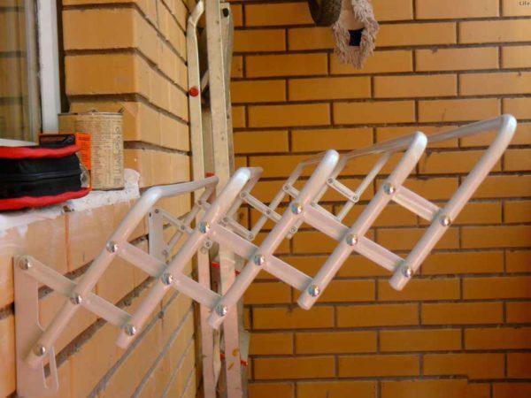 Модель гармошка дугообразная для просушки белья за пределами лоджии