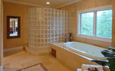 Стеклоблоки в дизайне ванной комнаты