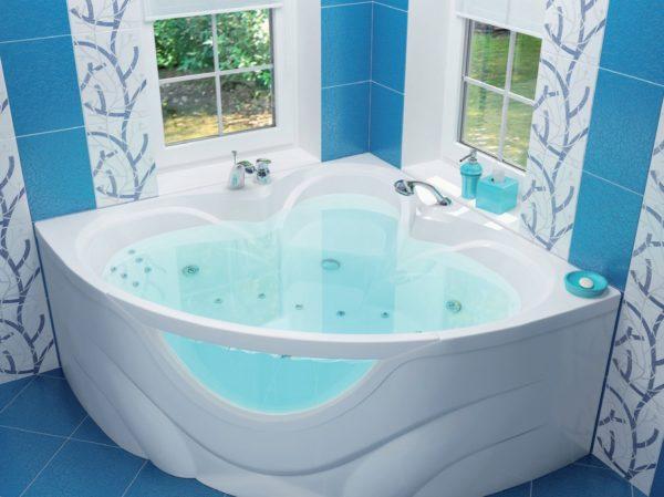 Ванна с прозрачной вставкой
