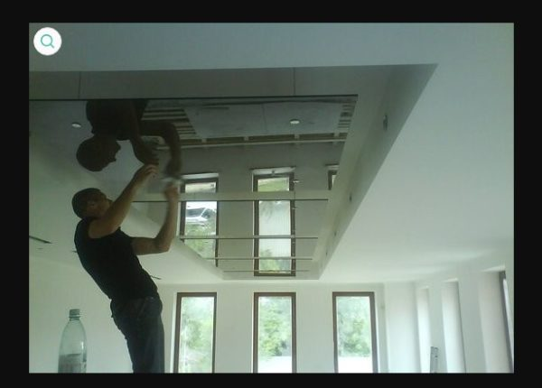 Зеркальный потолок из полистирола
