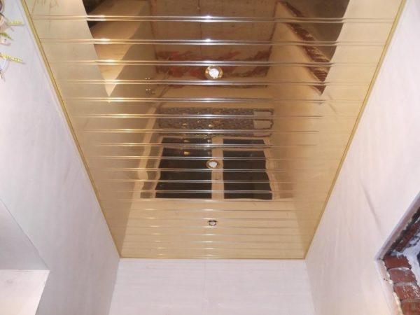 Реечный потолок отражающий без раскладки