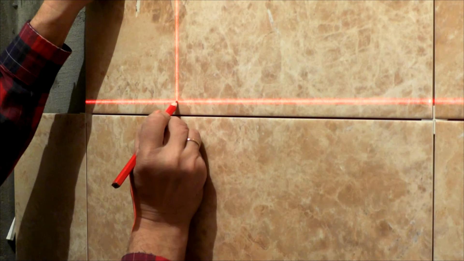 Лазерный уровень помогает при разметке