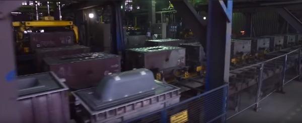 Цех завода Универсал по выпуску чугунных ванн