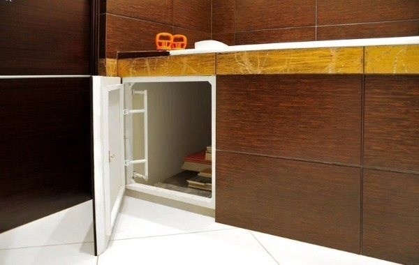 Ревизионный люк под ванну