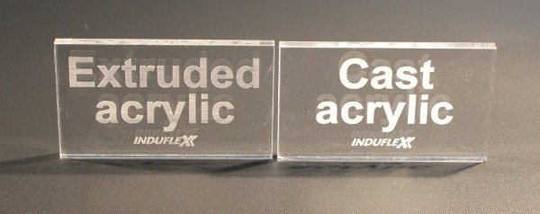 Лазерная гравировка акрила: слева- экструзионного, справа- литого